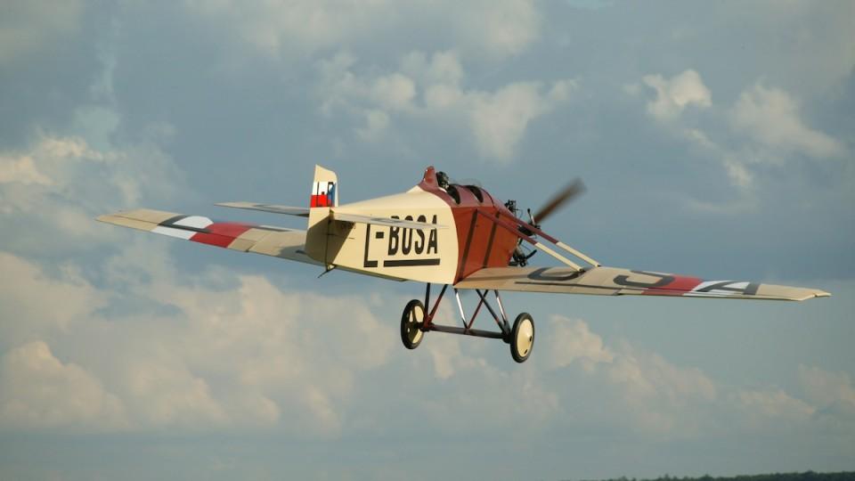 Avia BH 5 Milan Mikulecký 005