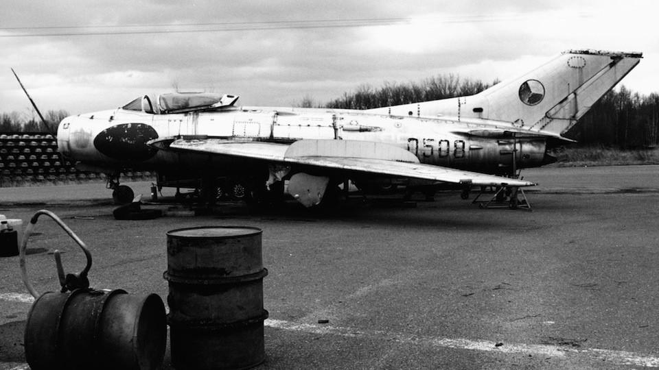 MiG 19 S Aero S 105