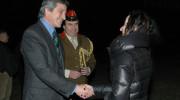 Jan Thompson OBE po přistání přivítal ministr obrany Martin Stropnický